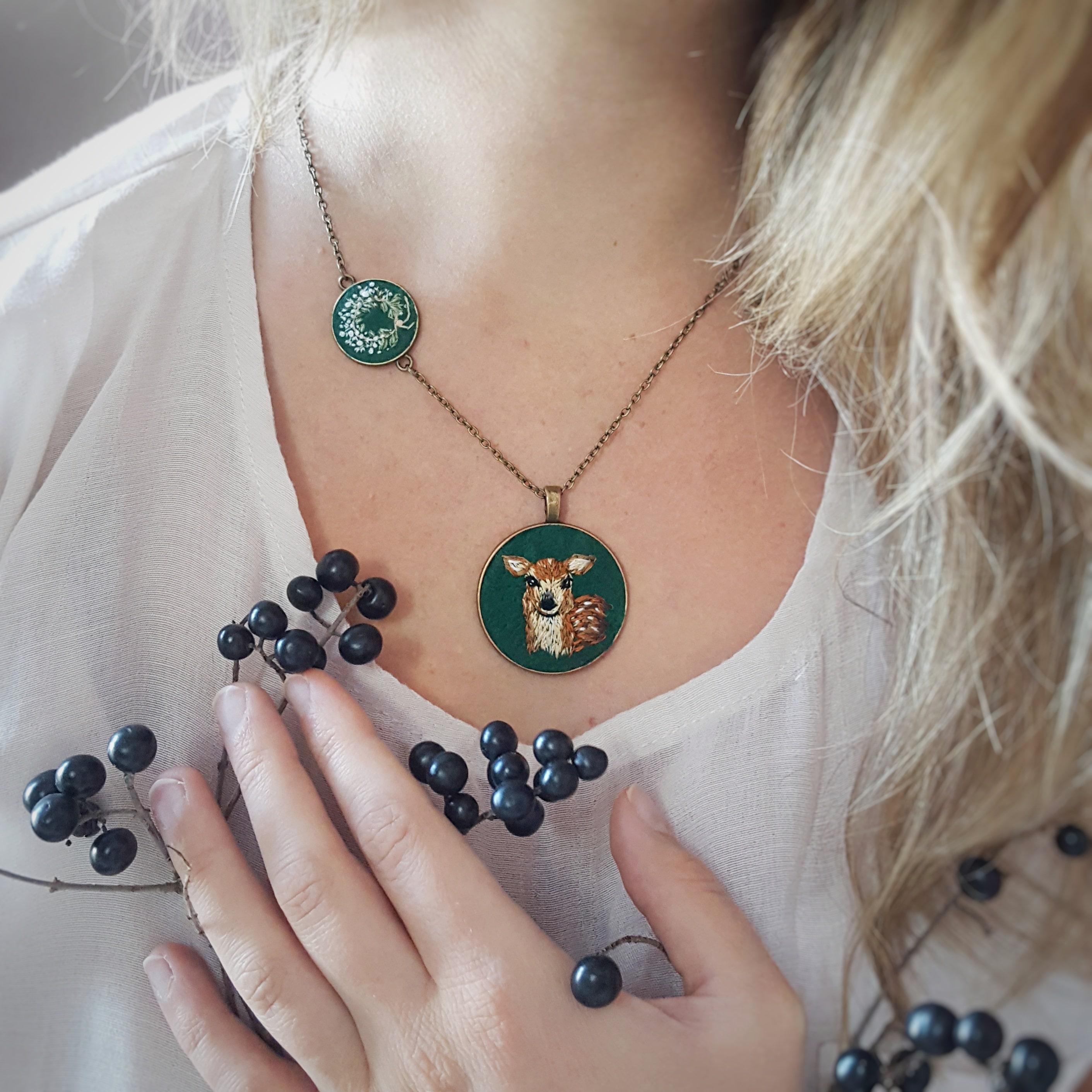 haftowana biżuteria
